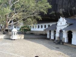 Dambulla - temple rupestre