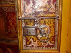 Kandy - porte du temple
