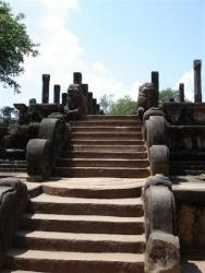 Polonnaruwa - escalier Salle du Conseil