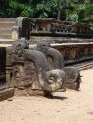 Polonnaruwa - vestiaires bains royaux